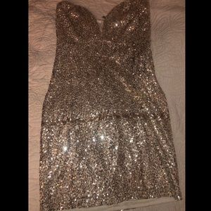 Dresses & Skirts - Strapless sequins dress